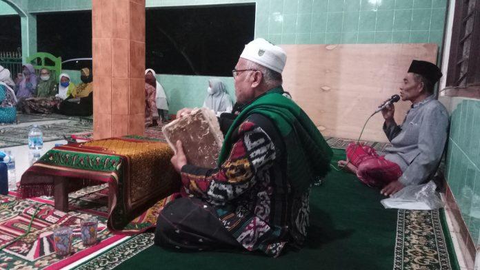 Resepsi Al-Qur'an Masyarakat Gogodalem: Khataman Rabu Pon
